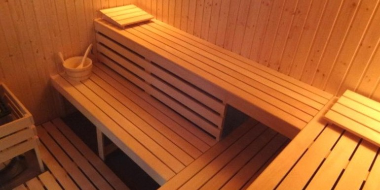 sauna amber